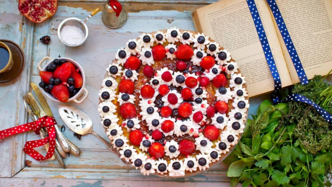 tarte-frutti-rossi-e-panna-orizz-1160x653