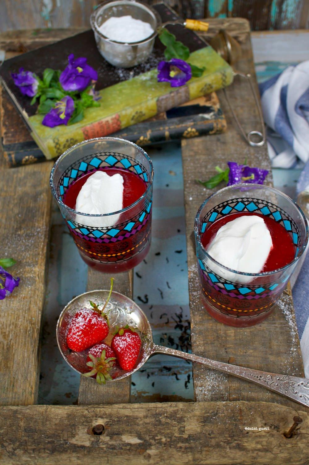 cappuccino di fragole e panna